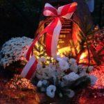 Złożenie kwiatów i zapalenie zniczy pod Kamieniem Upamiętniającym 100 -lecie Odzyskania Niepodległości przez Polskę. Kępiaste