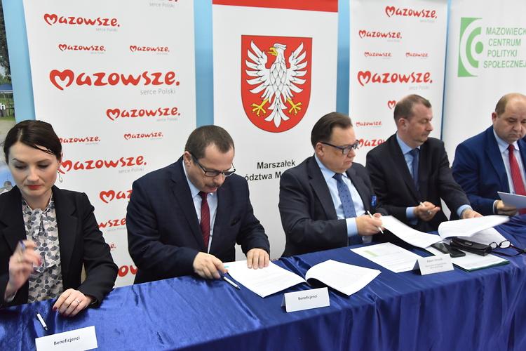 Gmina Pokrzywnica z unijnym wsparciem na budowę kanalizacji sanitarnej